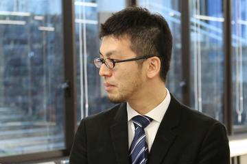 山崎 吾郎  准教授